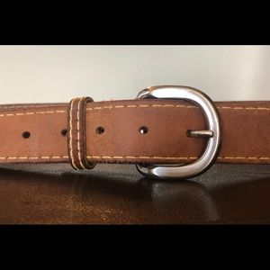Accessories - Tan leather belt